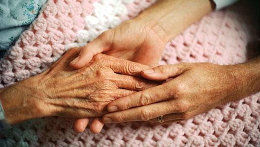 Los humanos han desarrollado variantes de genes que pueden ayudar a proteger a las personas mayores de la demencia.