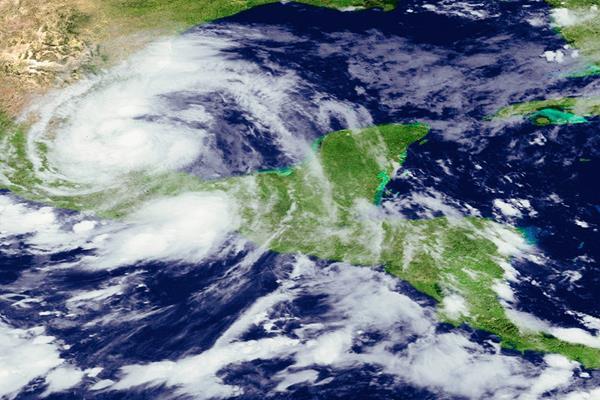 La temporada de huracanes en el Atlántico del 2015, será menos activa de lo normal, según EEUU. (Foto Prensa Libre:AFP)AFP