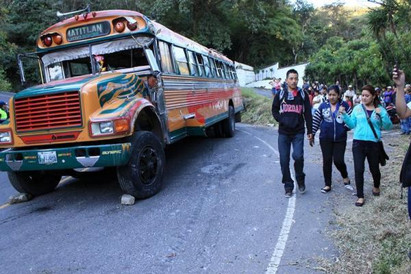 """<p>El accidente se registró en el km 38 de la ruta que une a San Vicente Pacaya con la ruta al Pacífico. (Foto Prensa Libre: Carlos Paredes)<br _mce_bogus=""""1""""></p>"""