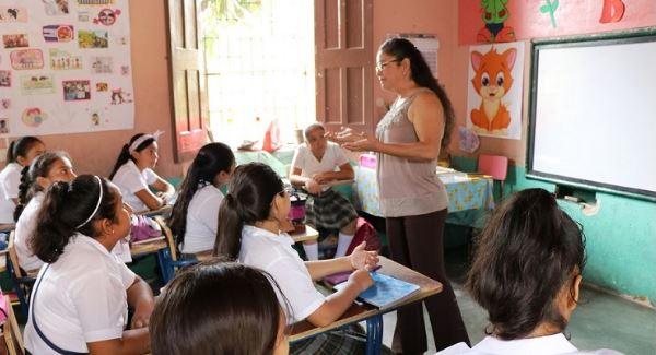 Ministerio de Educación decidió no abrir inscripciones a la carrera de Magisterio, hasta que la CC resuelva en definitiva. (Foto Prensa Libre: Hemeroteca PL)