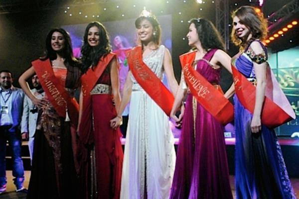 Finalistas del primer certamen de Miss Marruecos efectuado en el 2012. (Foto Prensa Libre: Internet).