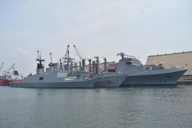 Tres buques taiwaneses atracan en Puerto Quetzal, Escuintla. (Foto Prensa Libre: Carlos E. Paredes)