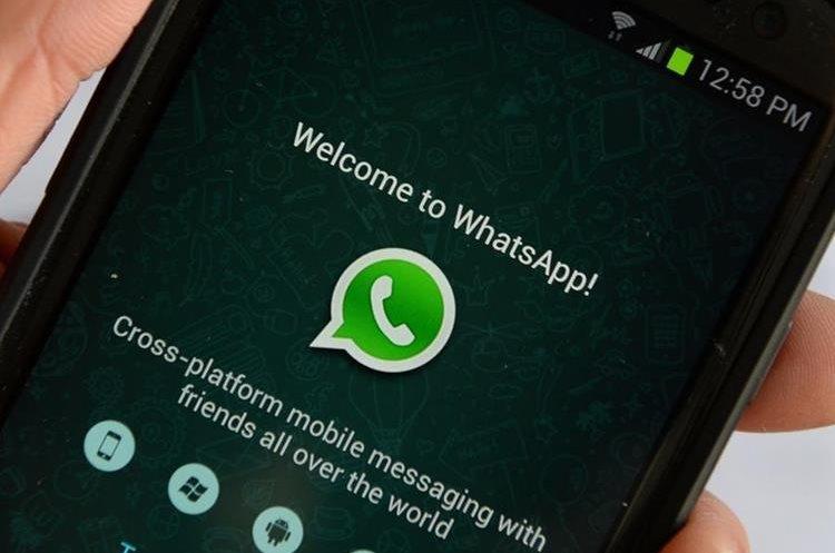 La India cuenta con aproximadamente 200 millones de usuarios activos de WhatsApp. (Foto Prensa Libre: bucket.glanacion.com)