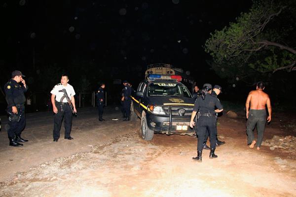 En el  enfrentamiento armado resultó herido Duglas Alberto García López, quien falleció horas después. (Foto Prensa Libre: Rolando Miranda)