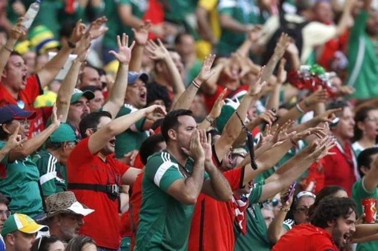 La Federación de Futbol de México hizo un llamado a sus aficionados para que se comporten bien en el estadio. (Foto Prensa Libre: Hemeroteca)