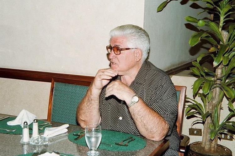 Miloc, durante una entrevista mientras dirigía en el futbol nacional. (Foto Prensa Libre: Hemeroteca PL)