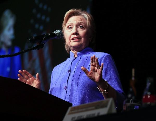 Hillary Clinton es investigada por el uso de correos electrónicos durante su gestión.