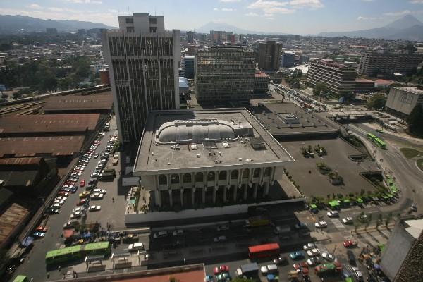 <p>Sindicalistas del Organismo Judicial (OJ) se sumarán a las acciones legales en contra del Ejecutivo. (Foto Prensa Libre: Archivo)<br></p>