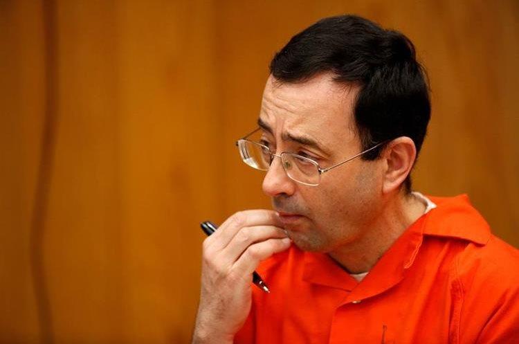 El juicio contra Larry Nassar continúa por acusaciones de violación. (Foto Prensa Libre: AFP)