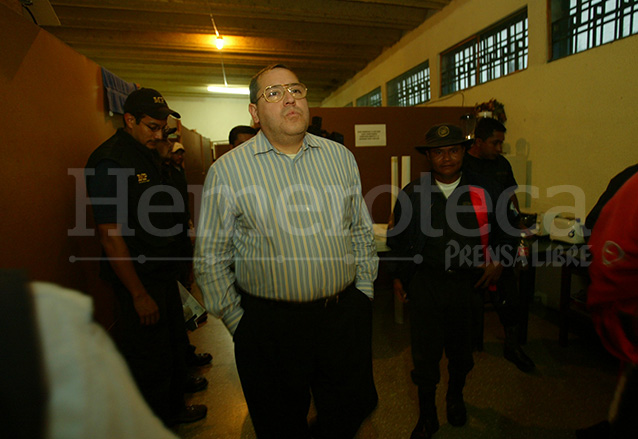 El sacerdote Mario Orantes cumplió una parte de su condena al aplicársele la redención de pena. (Foto: Hemeroteca PL)