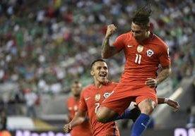 Vargas guía triunfo chileno 7-0 contra México y se clasifica a semis de la Copa.