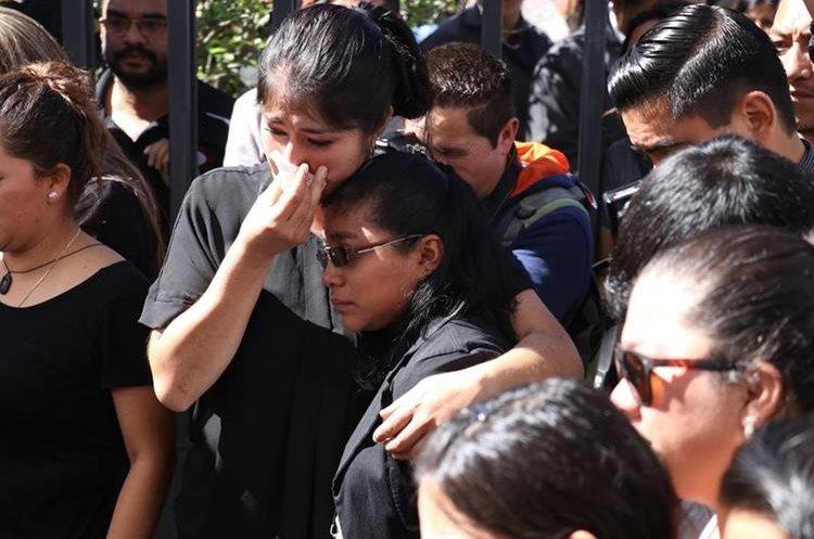 Compañeros de trabajo lamentan la muerte de su compañero Giovani Otoniel Gutiérrez