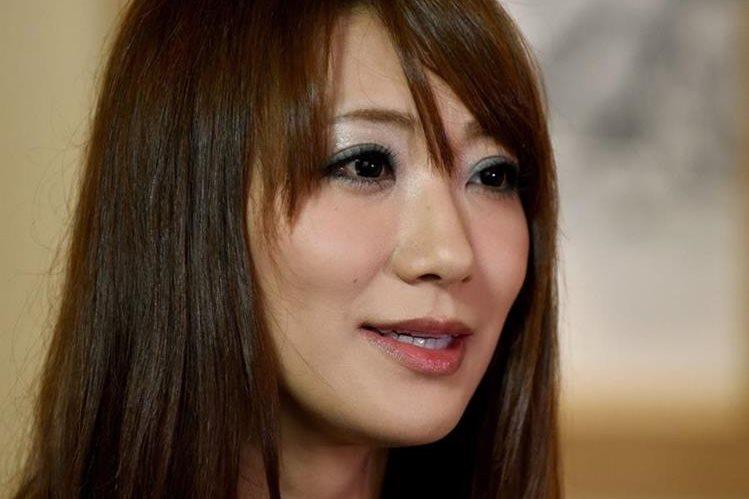 La actriz japonesa Saki Kozai confiesa el calvario que vivió cuando fue engañada y obligada a ingresar al mundo de la pornografía. (Foto Prensa Libre: AFP).