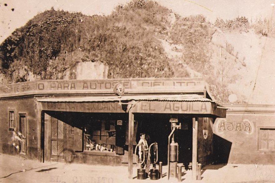 La primera gasolinera estaba ubicada en lo que hoy es la 7a. avenida y 18 calle, al pie del cerro del cielito.  (Foto: Hemeroteca PL)