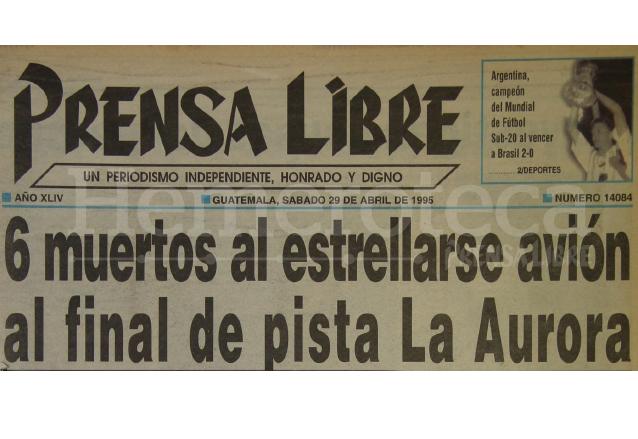 Titular de Prensa Libre del 29 de abril de 1995. (Foto: Hemeroteca PL)
