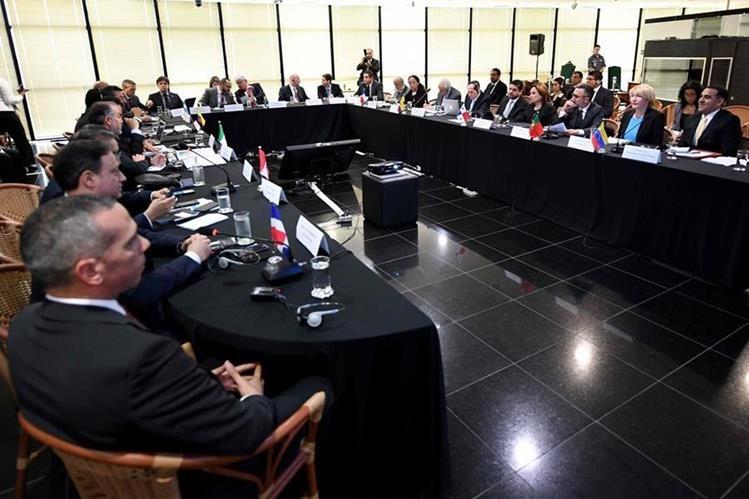 Vista general de una reunión de fiscales y procuradores de 11 países en Brasilia. (AFP).