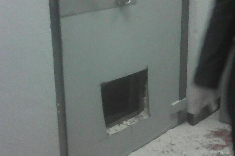 Ladrones abrieron la caja fuerte para robar dinero. (Foto: Cortesía)