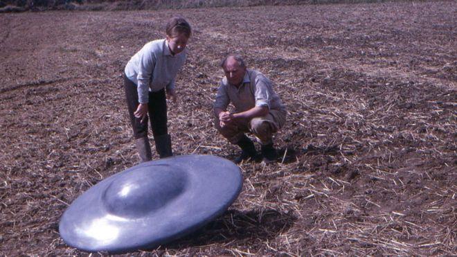 Cuando los platillos fueron encontrados, emitían un sonido bajo y extraño. JOHN KEELING