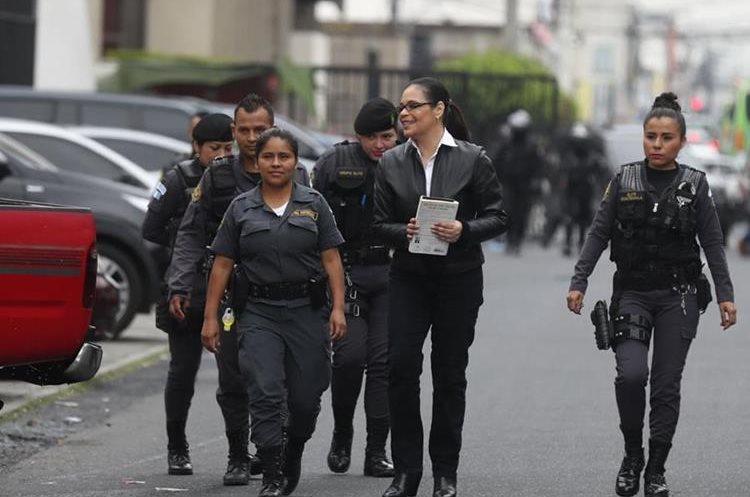 Roxana Baldettí fue trasladada a la Torre de Tribunales a las 8:40 de la mañana custodiada por guardias del Sistema Penitenciario.