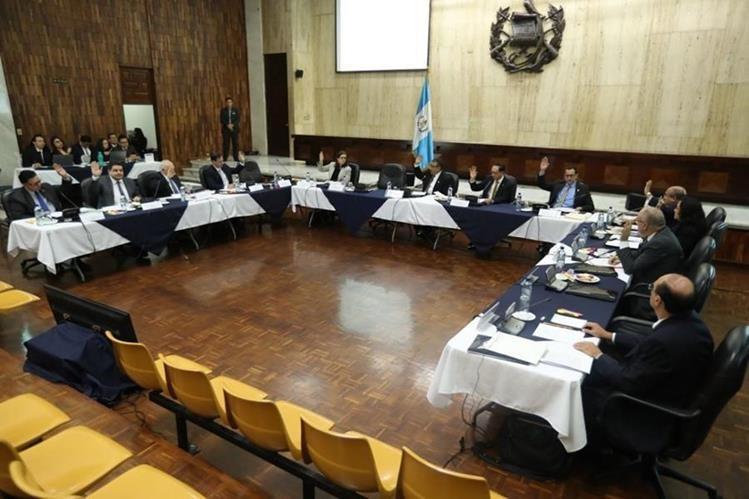 El amparo contra la Comisión es por la aprobación de la tabla de gradación para los candidatos. (Foto Prensa Libre: Hemeroteca PL)
