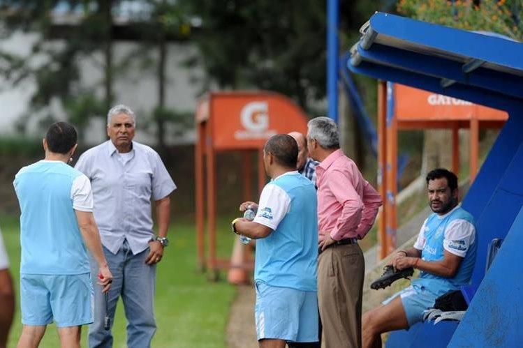 Wálter Claverí gira el llamado a 24 jugadores para el fogueo contra Panamá. (Foto Prensa Libre: Edwin Fajardo).