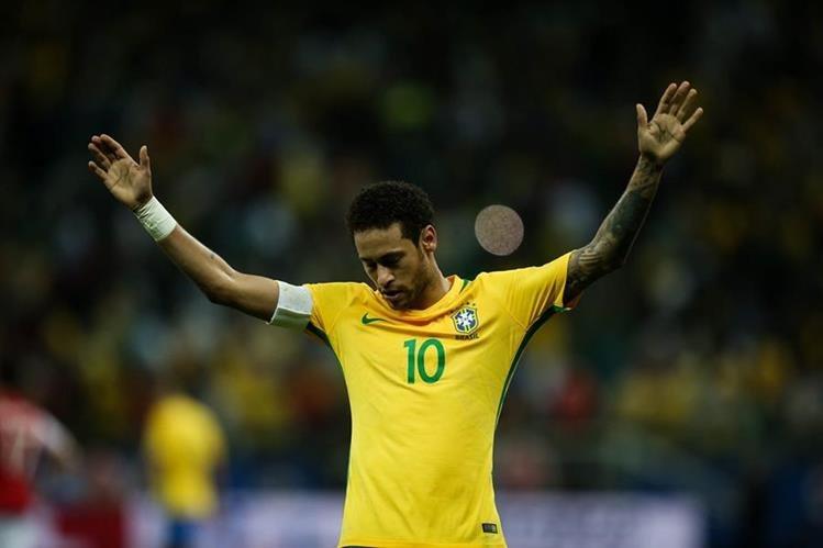 Neymar volvió a ser pieza fundamental con la selección de Brasil. (Foto Prensa Libre: AP)