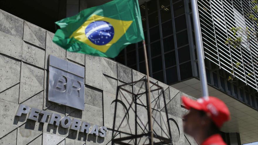 La empresa estatal brasileña Petrobras, sacudida por fuerte escándalo de corrupción.(AFP).