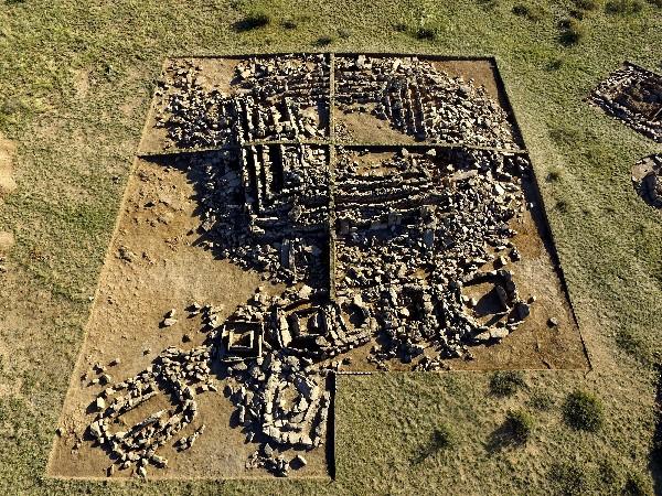 Vista aérea del mausoleo descubierto por arqueólogos en Karaganda,Kazajistán.(EFE).
