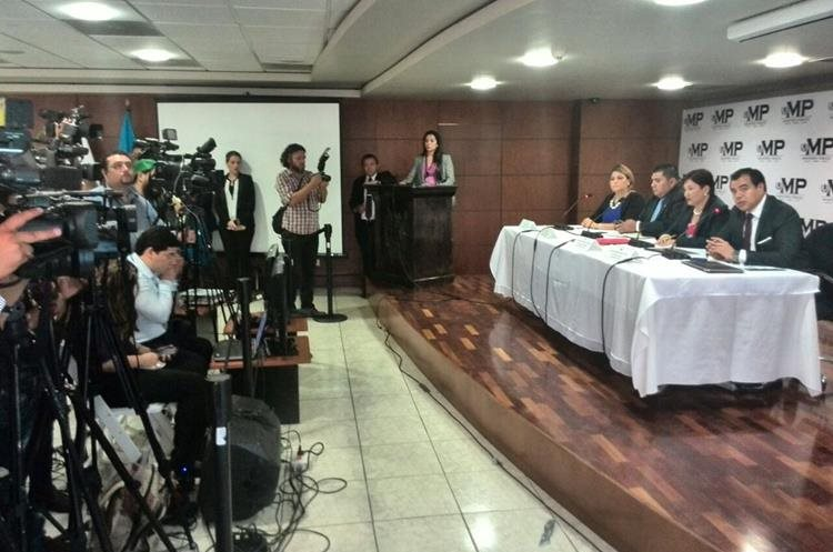Los detalles de los operativos fueron dados en conferencia de prensa. (Foto Prensa Libre: Estuardo Paredes)