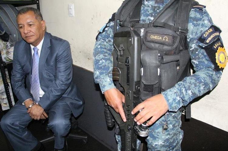 El expresidente del Congreso Arístides Crespo fue capturado en enero del 2018, ligado por el caso Plazas Fantasma. (Foto Prensa Libre: Hemeroteca PL)