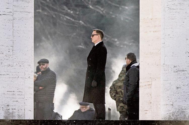 Imagen tomada durante el primer día de rodaje de la cinta. (Foto Prensa Libre: AP)