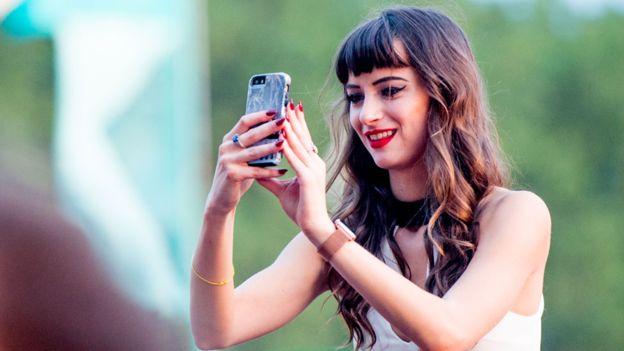 Snapchat tiene más de 170 millones de usuarios, pero su futuro como compañía independiente es cada vez más incierto. (GETTY IMAGES)