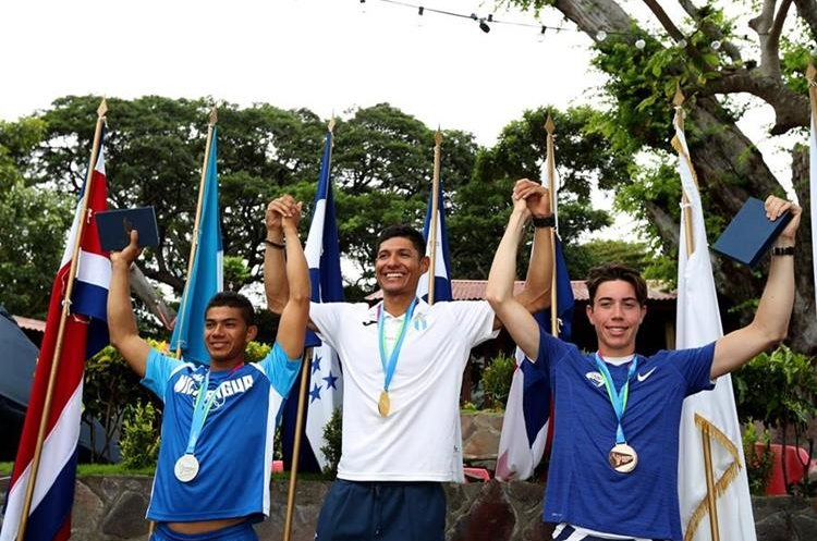 Leif Eriksen Catalán ganador de la medalla de oro en el Single Abierto del Remo