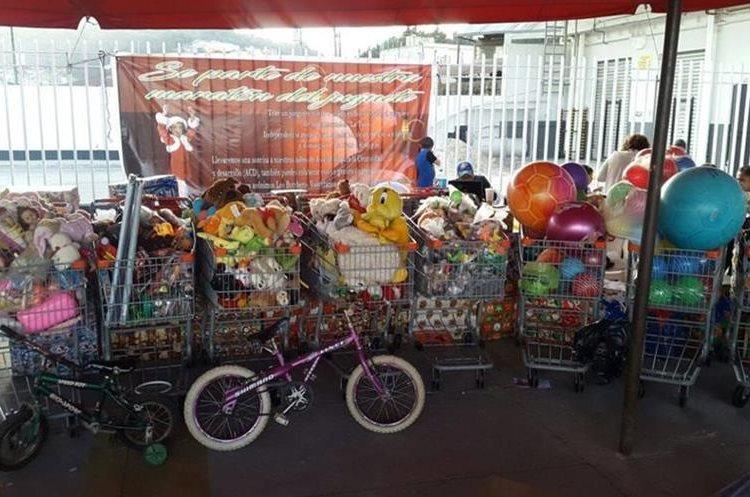 En 2017 se recolectaron ocho carretas de juguetes que fueron repartidas a las entidades benéficas. (Foto Prensa Libre: Cortesía)