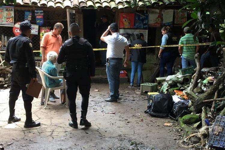 Vivienda en la que fueron localizadas las tres hermanas, que tenían golpes en diferentes partes del cuerpo. (Foto Prensa Libre: Mario Morales)