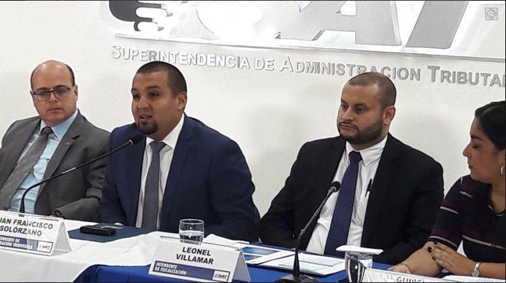 Autoridades de la SAT informaron sobre los resultados de la recaudación de impuestos de agosto y de la exoneración fiscal. (Foto Prensa Libre: Cortesía)
