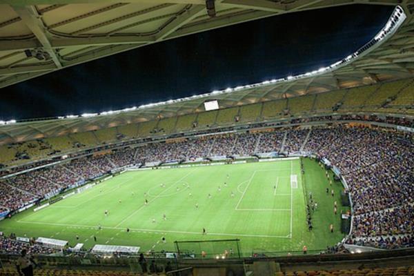 El estadio Arena Amazonia se inauguró el pasado 9 de marzo de 2014, en un encuentro entre el Nacional, del estado de Amazonas, y Remo, de Pará. (Foto Prensa Libre: Hemeroteca PL)