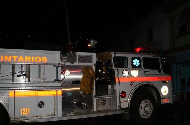 Motobomba de los Bomberos Voluntarios utilizada para sofocar las llamas. (Foto: Bomberos Voluntarios)