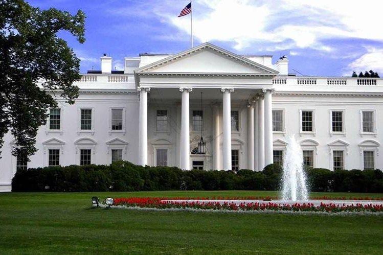 La Casa Blanca anima a seguir las actividades de Donald Trump a través de Twitter.