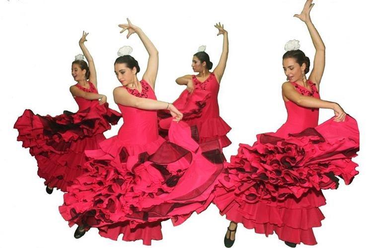 El flamenco es un estilo de música y danza propio de Andalucía, Extremadura y Murcia, en España.