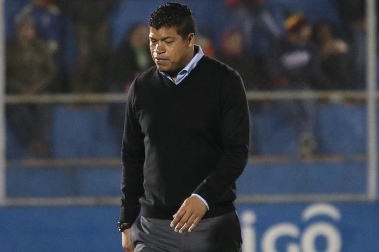 Ronald Gómez se mostró satisfecho con el desempeño de sus jugadores en el juego contra Municipal. (Foto Prensa Libre: Raúl Juárez)