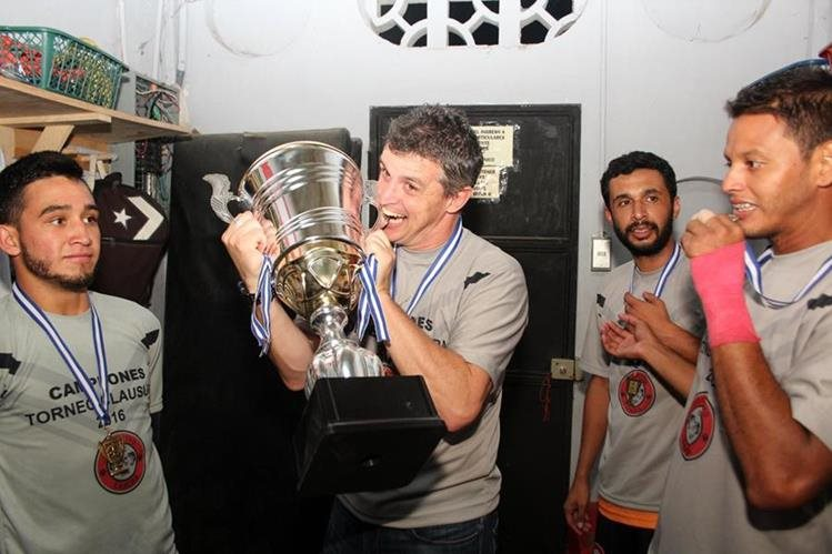 Los Peces cenizos se coronaron el domingo pasado como campeones del Clausura 2016 de la Primera División. (Foto Prensa Libre: Eduardo Sam Chun)