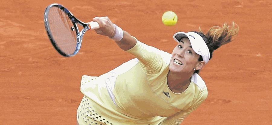 La tenista española Garbiñe Muguruza se retiró este martes en la segunda ronda del torneo de tenis de Dubai cuando perdía, por 4-1, ante la ucraniana Kateryna Bondarenko (Foto Prensa Libre: Hemeroteca PL)