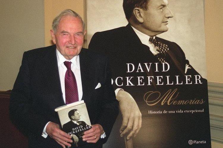 El financiero estadounidense y multimillonario David Rockefeller durante la presentación de su biografía en Madrid. (Foto Prensa Libre: EFE)