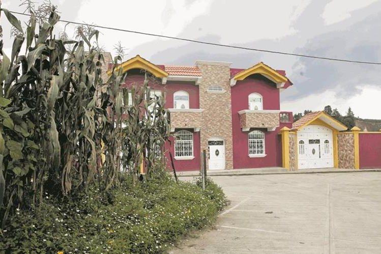 La construcción de viviendas es un logro de las remesas enviadas por las personas en el extranjero. (Foto Prensa Libre: Paulo Raquec)