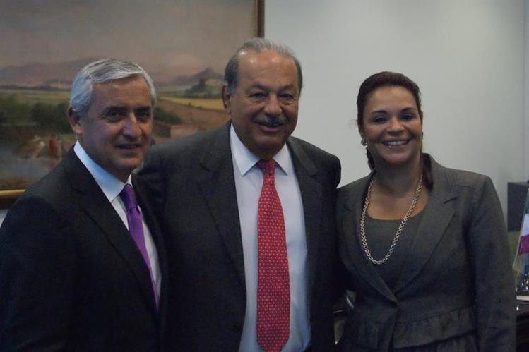 Otto Pérez, Roxana Baldetti y Carlos Slim se reunieron en agosto de 2011 en México con lo que Ligorría logró el objetivo de demostrar que Telgua tenía fuerza política frente a Tigo. (Foto Prensa Libre: Hemeroteca PL)