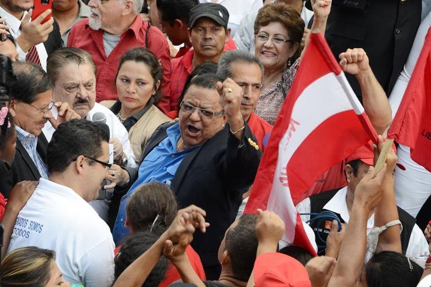 Grupo de opositores rechazan la ley que criminaliza las manifestaciones.(AFP).