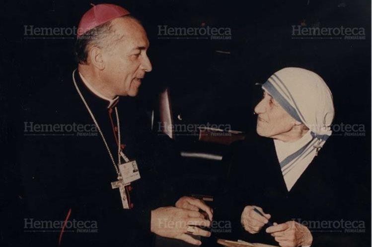 Monseñor Próspero Penados del Barrio, coincidió con la Madre Teresa en Roma. (Foto Prensa Libre: Cortesía familia Penados)