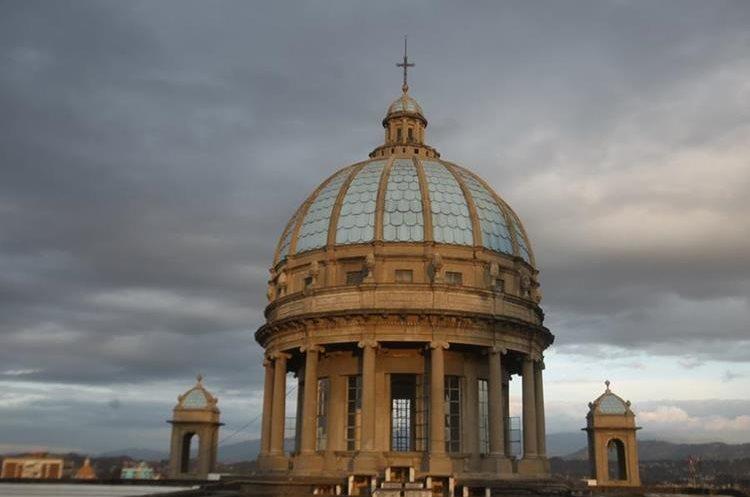 Las visitas guiadas incluyen la subida a la cúpula de la Catedral Metropolitana. (Foto Prensa Libre: Óscar Rivas)