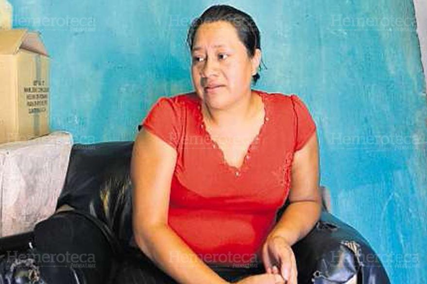 05/05/2013. Olga Larios dice que sus dos ijos viven muy tristes sin su padre. (Foto: Hemeroteca PL)